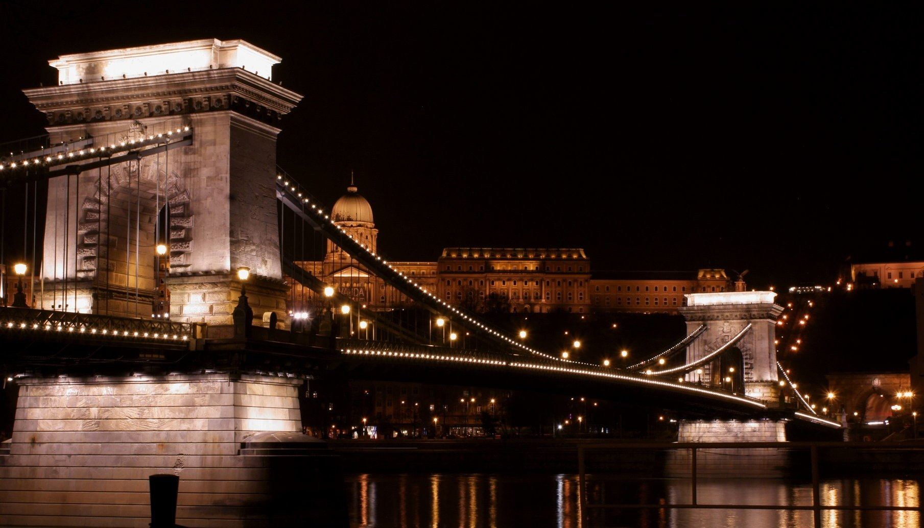 elizabeth-bridge-budapest00001-1-.jpg