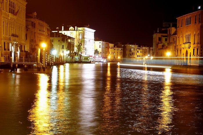 Grandr Canale, Venice tonight