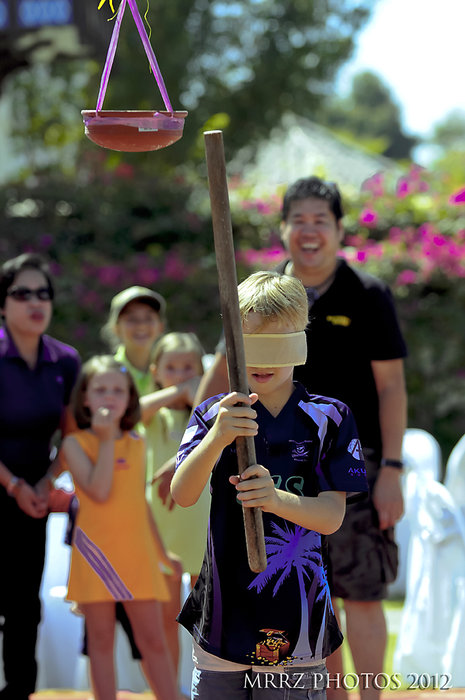 """Hitting the Pot"" Philippines Native Game brought to Oman"