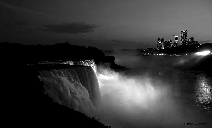 niagara-falls-night..jpg