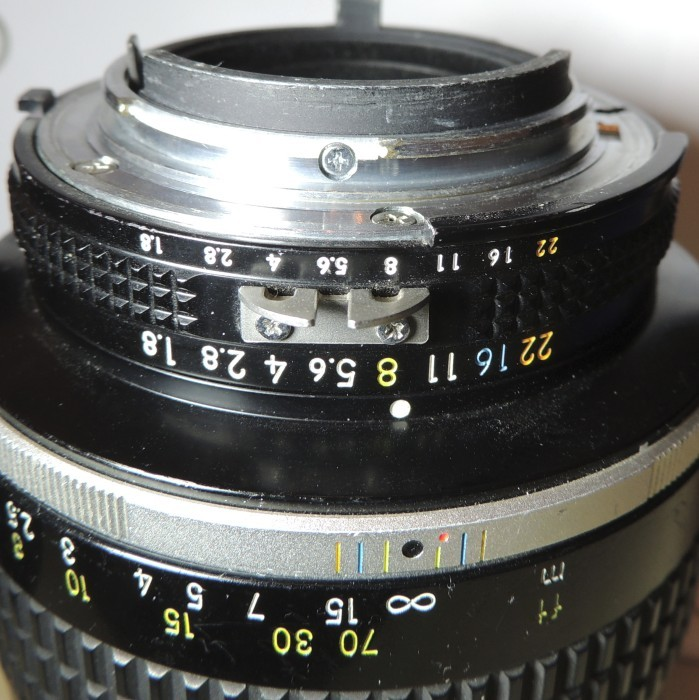 d3100 body, lens mount 'catch'